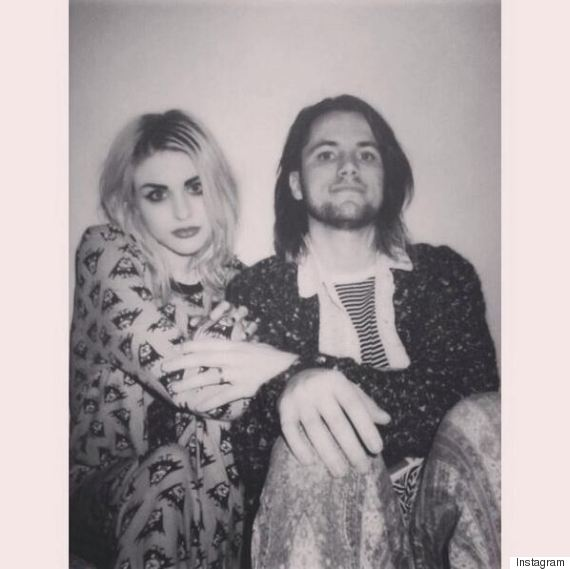Kurt cobain daughter engaged