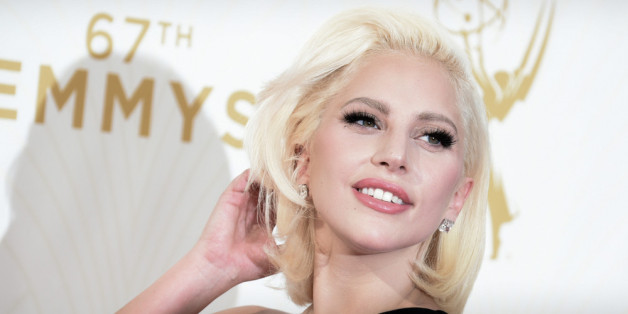 Lady Gaga bei den Emmys 2015