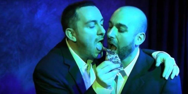 So kamen die schwulen Eheleute doch noch zu ihrer Pizza.