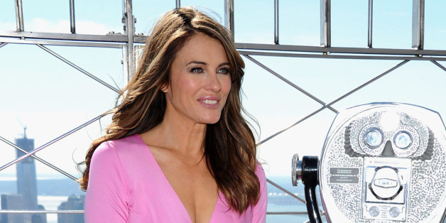 Pretty in Pink präsentierte sich Schauspielerin Liz Hurley bei ihrer Aktion gegen Brustkrebs.