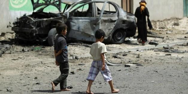 Deux enfants dans les rues de Sanaa au Yémen, le 18 juin 2015