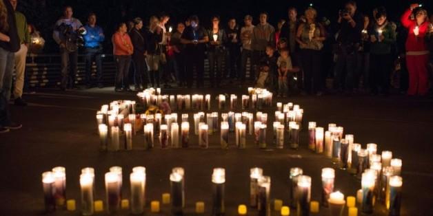 Veillée aux chandelles après la fusillade survenue le 1er octobre 2015 à Roseburg dans l'Oregon