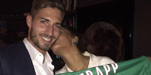 So leidenschaftlich hat Rihanna noch keinen deutschen Fußballer geknutscht