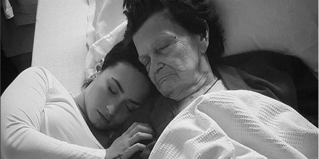 Demi Lovato gedenkt ihrer lieben Oma.