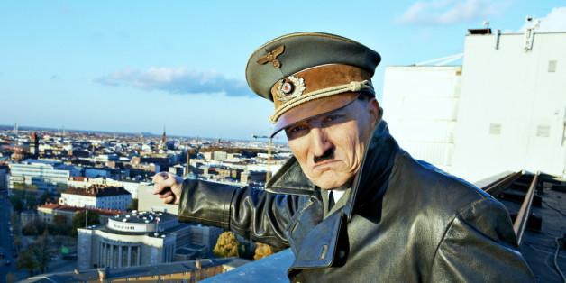 """Er ist wieder da"" - Miniserie über Hitler kommt."