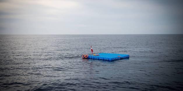 Des plateformes de repos en pleine Méditerranée pour les migrants