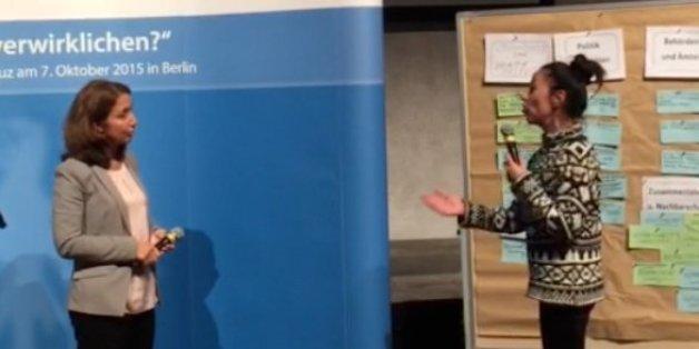 Berlinerin beim Bürgerdialog mit Aydan Özoğuz