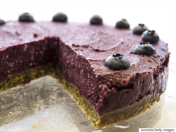 raw cake blueberry
