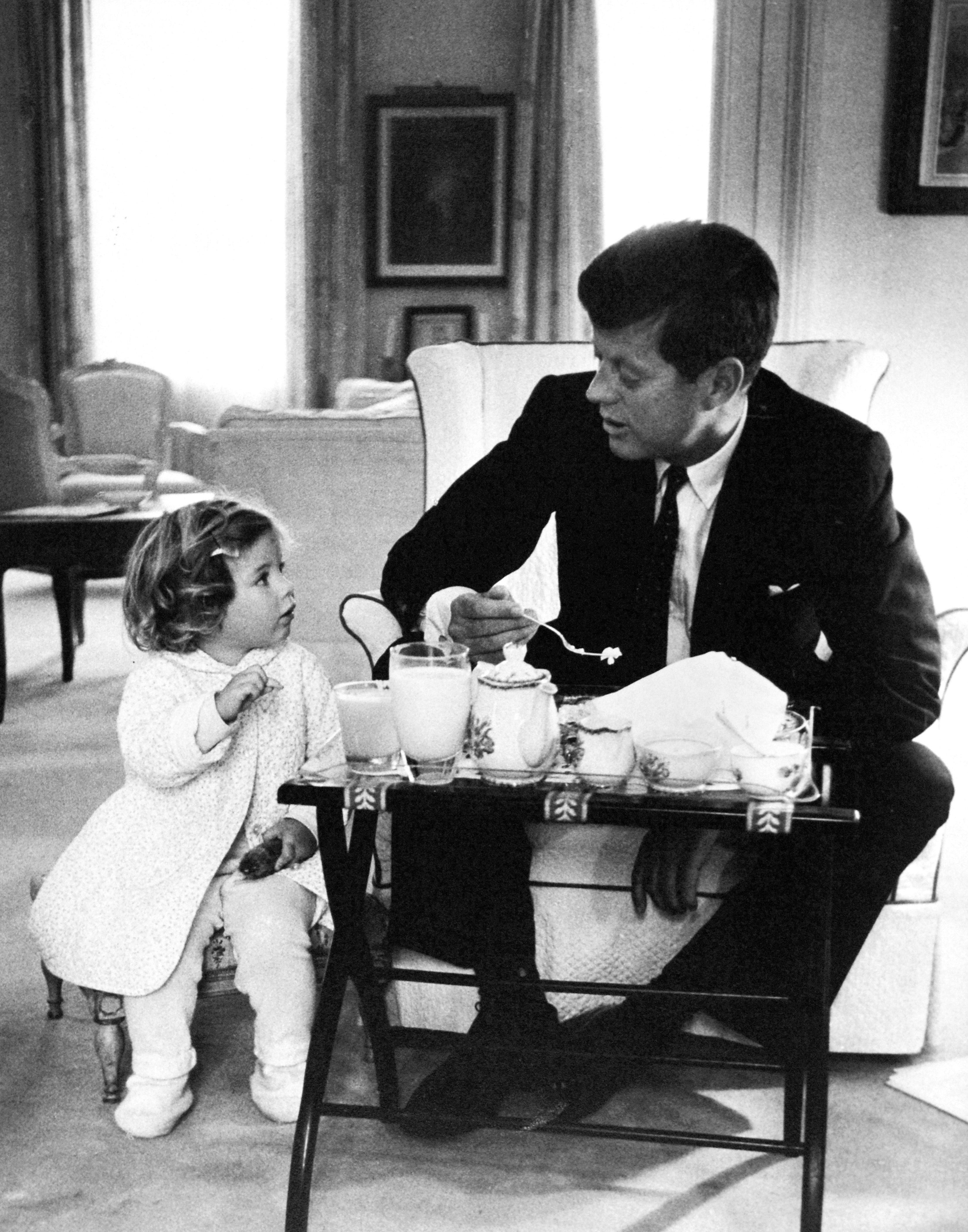 jfk president with children