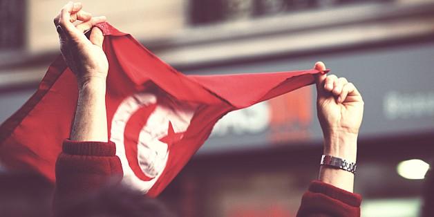 """Paris, January 2011.  <a href=""""http://www.humanite.fr/monde/la-revolution-tunisienne-est-elle-en-danger-515885"""" rel=""""nofollow"""">www.humanite.fr/monde/la-revolution-tunisienne-est-elle-e...</a>  <a href=""""http://lepartidegauche.fr/actualites/actualite/declaration-jean-luc-melenchon-pour-la-deuxieme-fois-on-tue-un-des-notres-24310"""" rel=""""nofollow"""">lepartidegauche.fr/actualites/actualite/declaration-jean-...</a>  <a href=""""http://www.iremmo.org/spip/spip.php?article303"""" rel=""""nofollow"""">www.iremmo.org/spip/spip.php?article303</a> <a href=""""http://politicsofreligion.hypotheses.org/300"""" rel=""""nofollow"""">politicsofreligion.hypotheses.org/300</a> <a href=""""http://nawaat.org/portail/2012/12/15/de-lutilite-de-la-crise-et-de-la-necessite-dune-politique-magnetique/"""" rel=""""nofollow"""">nawaat.org/portail/2012/12/15/de-lutilite-de-la-crise-et-...</a> <a href=""""http://nawaat.org/portail/2013/02/02/tunisie-un-debat-sur-la-gauche-et-linformation/"""" rel=""""nofollow"""">nawaat.org/portail/2013/02/02/tunisie-un-debat-sur-la-gau...</a> <a href=""""http://www.comlive.net/La-Revolution-Tunisienne-En-Images,218322.htm"""" rel=""""nofollow"""">www.comlive.net/La-Revolution-Tunisienne-En-Images,218322...</a> <a href=""""http://www.tunisdardart.com/sous-les-paves-la-poesie/"""" rel=""""nofollow"""">www.tunisdardart.com/sous-les-paves-la-poesie/</a> <a href=""""http://www.webdo.tn/2012/09/03/tunisie-du-reve-a-lutopie/"""" rel=""""nofollow"""">www.webdo.tn/2012/09/03/tunisie-du-reve-a-lutopie/</a> <a href=""""http://www.tunivisions.net/30072/233/149/blesses-de-la-revolution-tunisienne.html"""" rel=""""nofollow"""">www.tunivisions.net/30072/233/149/blesses-de-la-revolutio...</a> <a href=""""http://www.melekher.com/detail/l%e2%80%99etat-decide-enfin-de-prendre-en-charge-les-blesses-de-la-revolution.html/"""" rel=""""nofollow"""">www.melekher.com/detail/l%E2%80%99etat-decide-enfin-de-pr...</a> <a href=""""http://www.wled-el-banlieue.com/2011/04/la-revolution-tunisienne-et-lhistoire.html"""" rel=""""nofollow"""">www.wled-el-banlieue.com/2011/04/la-revolution-tunisienne...</a> <a href=""""htt"""