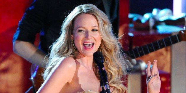 Was Sängerin Jewel über ihre Vergangenheit erzählt, schockiert