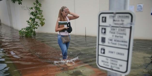 Une rue inondée à Miami Beach, en Floride, en raison d'une marée haute générée par le cycle lunaire, le 29 septembre 2015