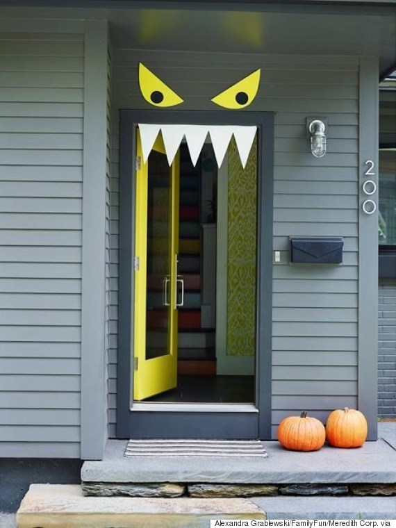 Easy Halloween Classroom Decorations ~ Easy diy halloween door decorations for this month
