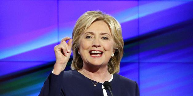 Präsidentschaftsbewerberin Hillary Clinton beim CNN-Fernsehduell