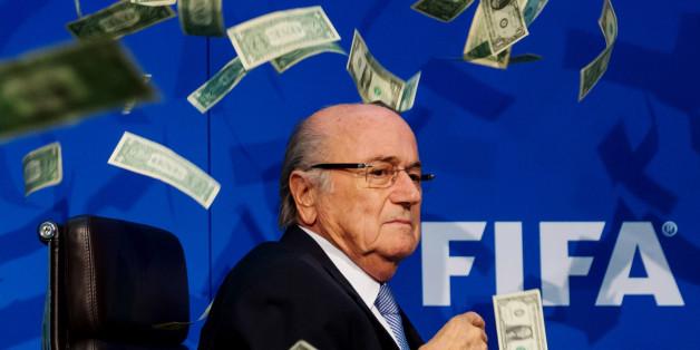 Nach Ansicht der FIFA könnte Blatter Kontenfälschung begangen haben