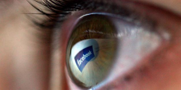 Wer schaut genauer hin: Facebook oder der Geheimdienst?