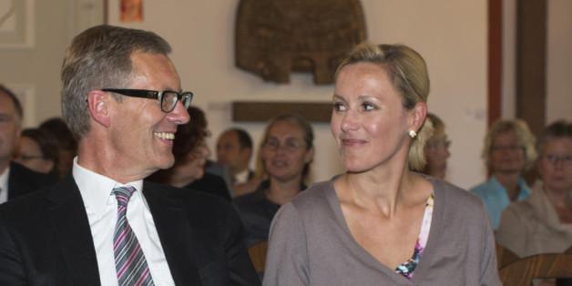 Bettina und Christian Wulff haben sich das Ja.Wort gegeben.