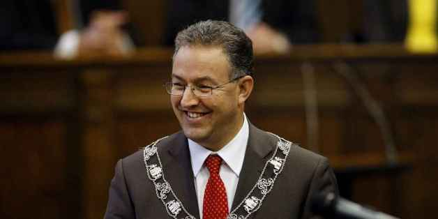 Rotterdam: Le maire d'origine marocaine de la ville vient en aide aux réfugiés