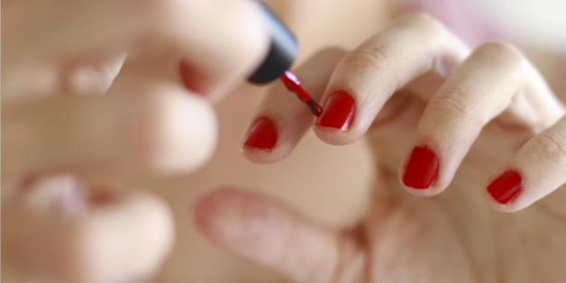 Diese Nagellacke enthalten giftige Stoffe, die in unserem Körper zurückbleiben