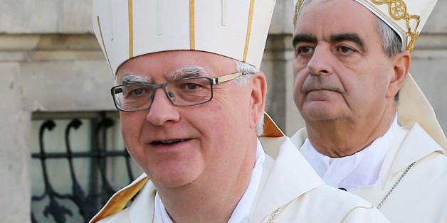 Erzbischof Heiner Koch (vorne), Relator (Berichterstatter) der deutschsprachigen Gruppe in der Familiensynode