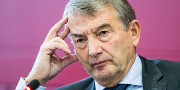 DFB-Präsident Wolfgang Niersbach bei seiner Pressekonferenz gestern