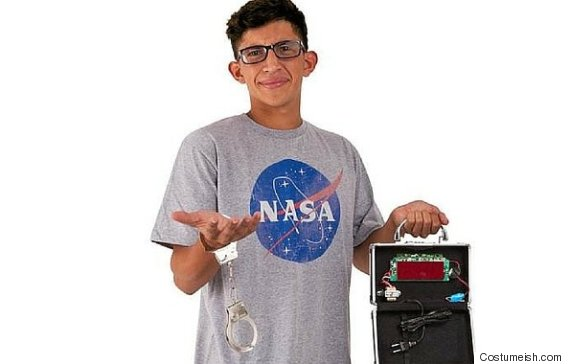 ahmed and his clock