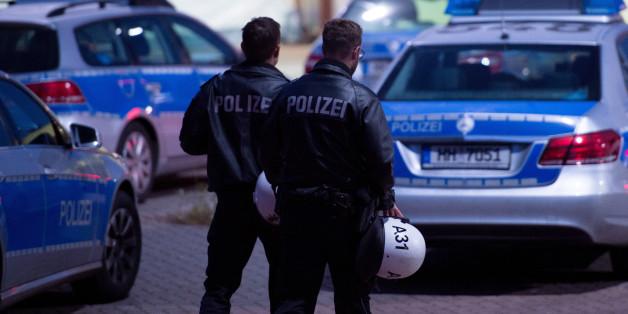 Polizei bittet Journalisten nicht über Flüchtlingsgewalt zu berichten