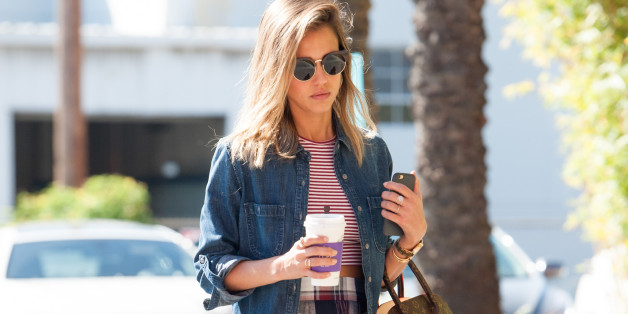 LOS ANGELES, CA - MARCH 12: Jessica Alba is seen in Santa Monica on March 12, 2015 in Los Angeles, California.  (Photo by GONZALO/Bauer-Griffin/GC Images)