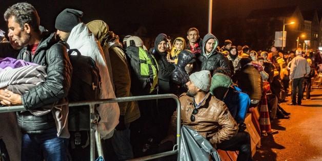 Flüchtlinge an der bayerischen Grenze in der Nacht zum Montag