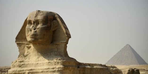 """En Egypte, de nouvelles analyses pour percer les """"secrets"""" des pyramides  19:23 - 25/10/15  © AFP L'Egypte dévoile un ambitieux projet qui a pour but de percer les """"secrets"""" des pyramides, cherchant notamment à découvrir des chambres dérobées"""