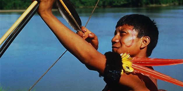(GERMANY OUT) T.F. Amazonas / Mavaca: Yanomami mitPfeil und Bogen- o.J. (Photo by Kanus/ullstein bild via Getty Images)