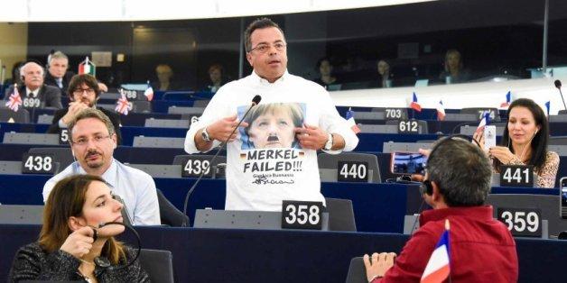 Der Abgeordnete Gianluca Buonannoal provoziert nicht zum ersten Mal