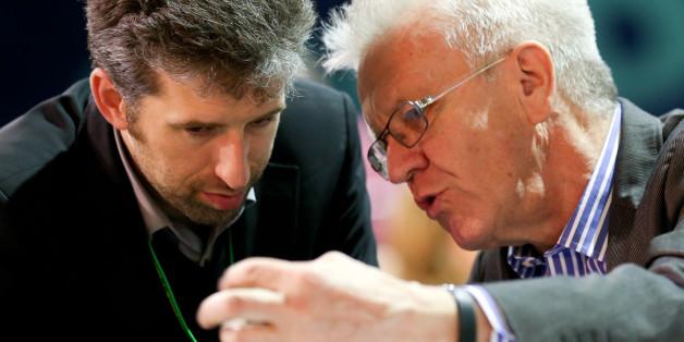 Winfried Kretschmann (r.) weist seinen Parteikollegen Boris Palmer in die Schranken