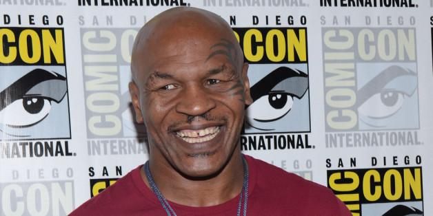 Mike Tyson sollte seine Gesangskarriere lieber beenden, bevor sie anfängt.