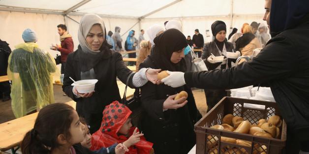 Flüchtlinge in einem Erstaufnahmelager