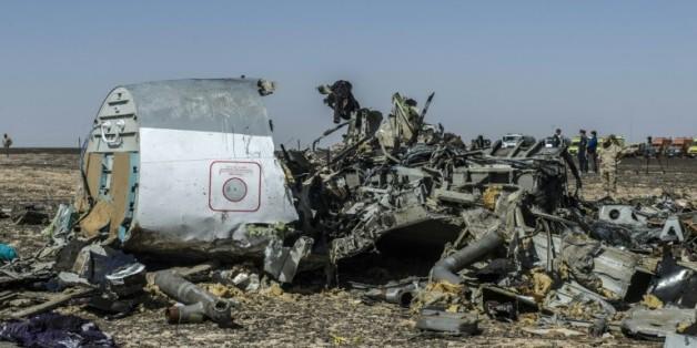 Des débris de l'A321 le 1er novembre 2015 dans la zone de Wadi al-Zolomat dans le Sinaï