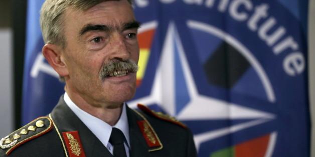 Der deutsche Nato-Kommandeur Hans-Lothar Domröse