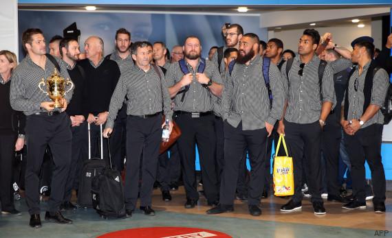 haka aeroport all blacks