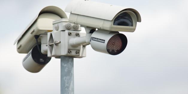 Caméra de vidéo-surveillance avec sa torche infra-rouge