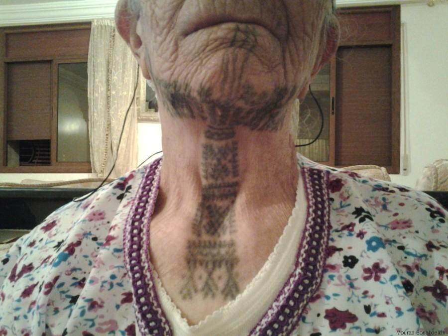 reportage: aïcha, femme berbère tatouée | al huffpost maghreb