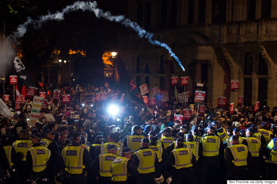 mask march london