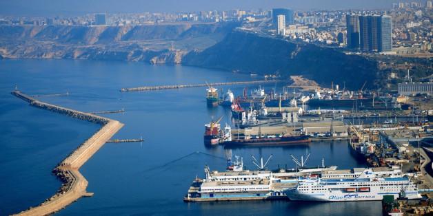 Une vue du port d'Oran