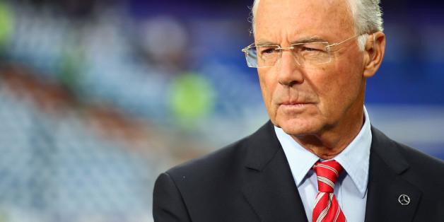 In der Sommermärchen-Affäre erhöht sich der Druck auf Franz Beckenbauer