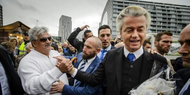 Geert Wilders (2e droite) à Rotterdam le 7 novembre 2015