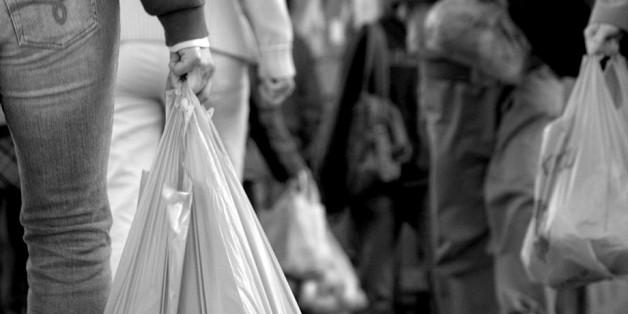 À peine lancé, le projet de loi pour interdire les sacs plastiques fait face à une levée de boucliers