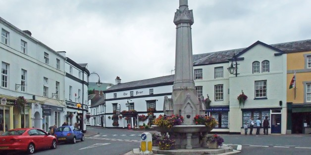High Street, with the fountain dating from 1873