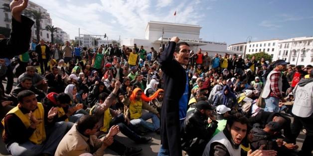 Des diplômés chômeurs marocains lors d'une manifestation en novembre 2011 à Rabat.