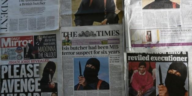 """La """"Une"""" des quotidiens britanniques en date du 27 février 2015 montrant """"Jihadi John""""  © AFP Daniel Sorabji"""