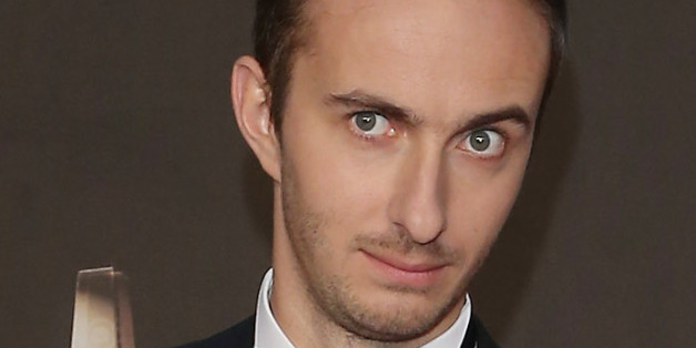 Mit einem Facebook-Post bringt Jan Böhmermann Tausende zum Nachdenken
