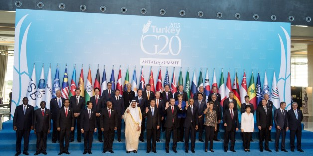 World leaders participate in a family photo during the G20 summit in Antalya, Turkey, November 15, 2015. AFP PHOTO / SAUL LOEB        (Photo credit should read SAUL LOEB/AFP/Getty Images)